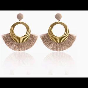 Jewelry - 👑Big Circle Gold/Khaki Tassel Dangle Earrings👑